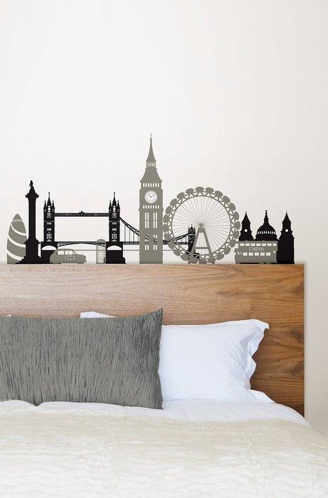 Декоративные наклейки в спальне