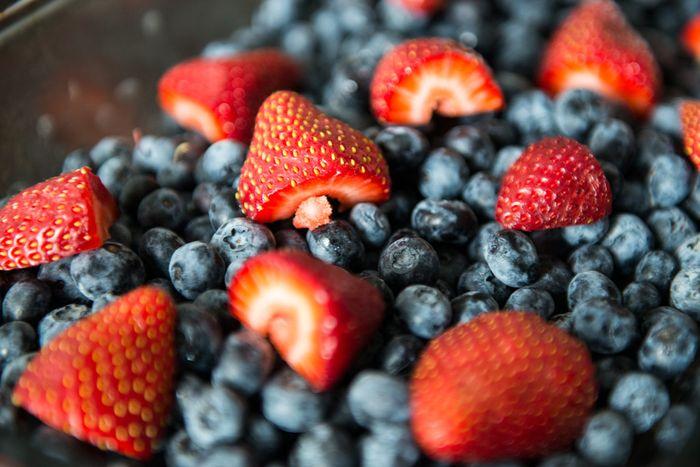 Сочные ягоды насыщенных оттенков