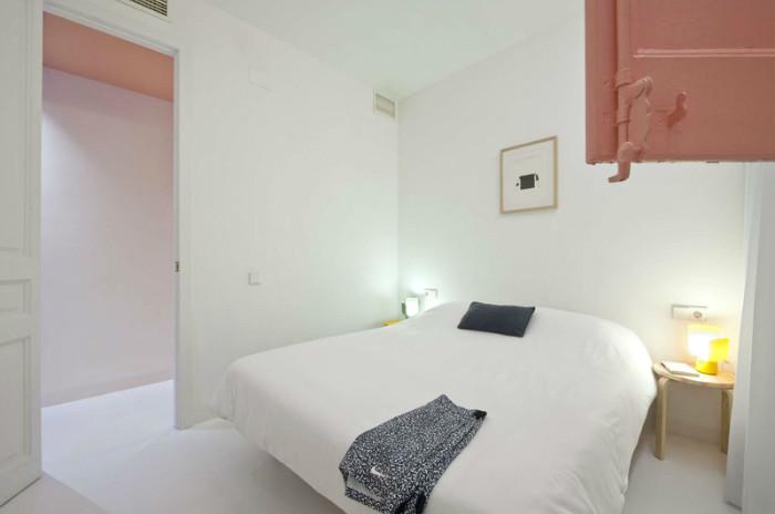 Спальни имеют очень простой лаконичный дизайн