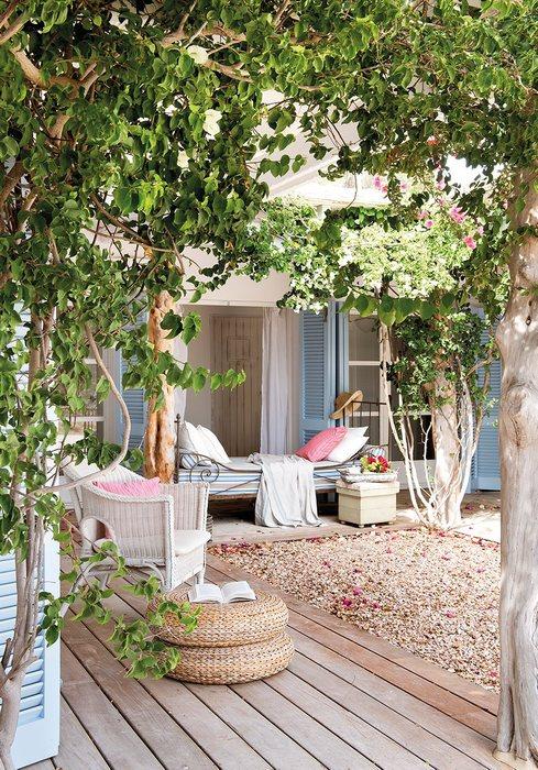 Одно из сокровищ дома - тенистый сад