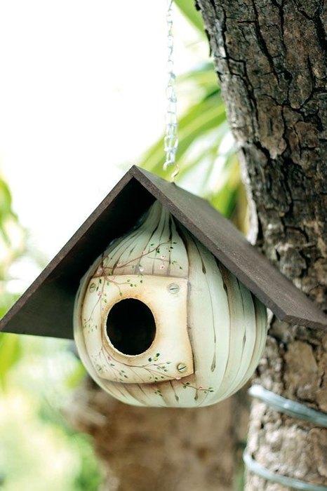 Нейтральный дизайн птичьего домика