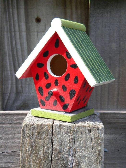 Деревянный домик для птиц