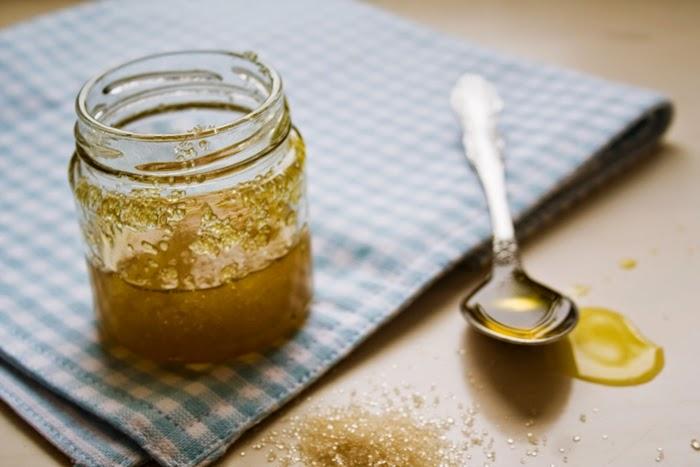 Медово-сахарный скраб для проблемной и чувствительной кожи
