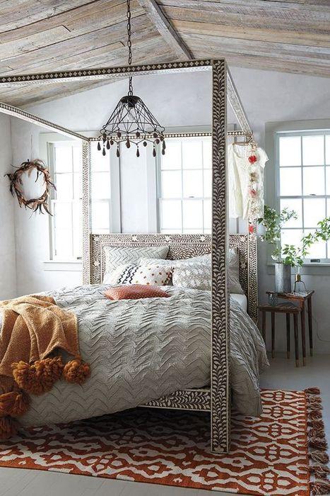 Колоритный ковёр