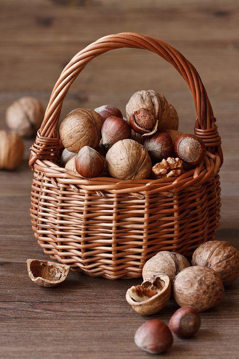 Орехи, как элемент декора