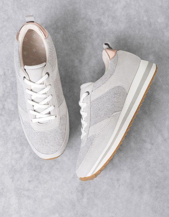Удобная спортивная обувь