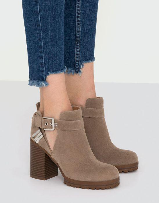 Красивая замшевая обувь