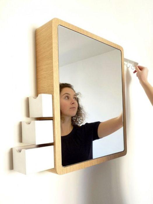 Зеркало с выдвижными ящиками