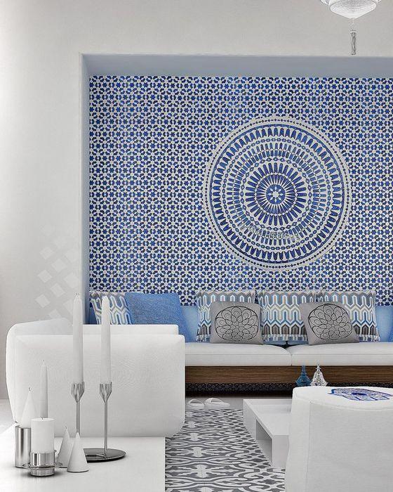 Акцентная стена голубого цвета