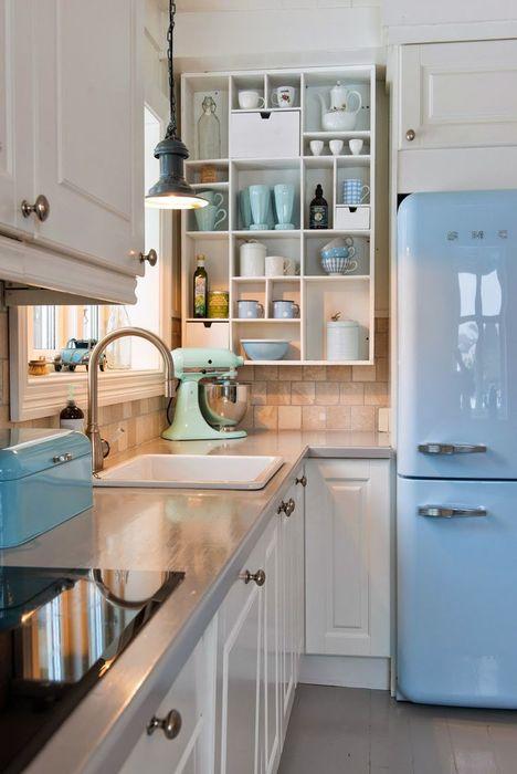 Голубые акценты на кухне