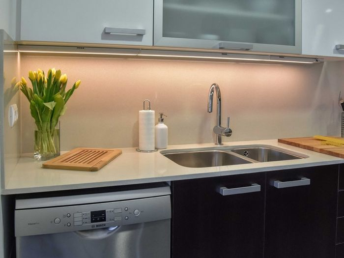 Дополнительная подсветка на кухне