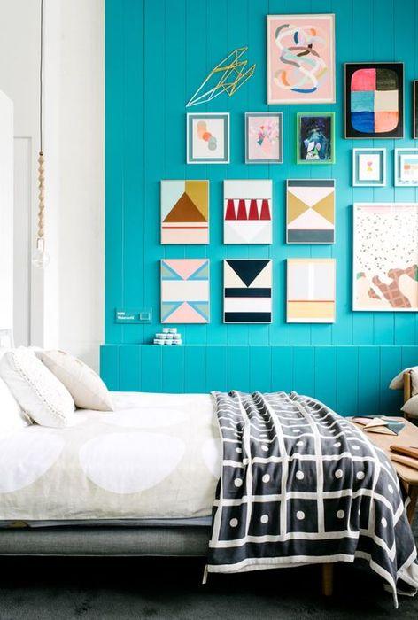 Освежающий интерьер спальни
