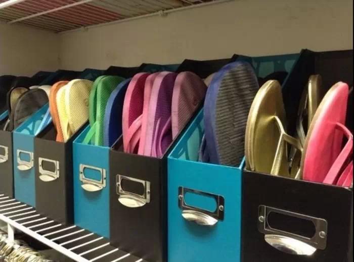 Необычное хранение летней обуви