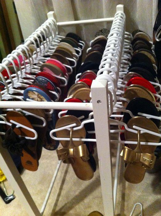 Хранение обуви на вешалках