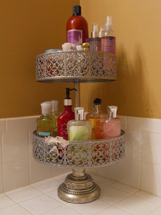 Красивая подставка для хранения шампуней и гелей для душа