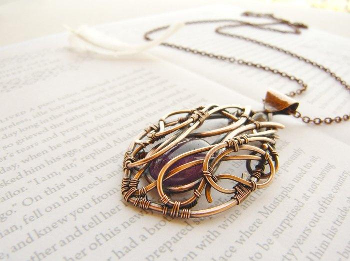 Кулон, посвящённый возлюбленной Джона Сноу Игритт (медное пелтение, натуральный аметист) - Ursula Jewelry