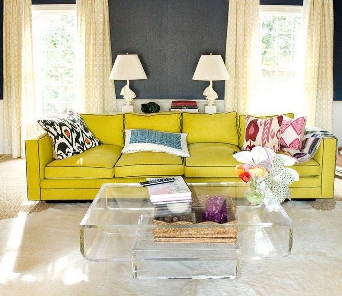 Выбирайте для гостиной лёгкие шторы