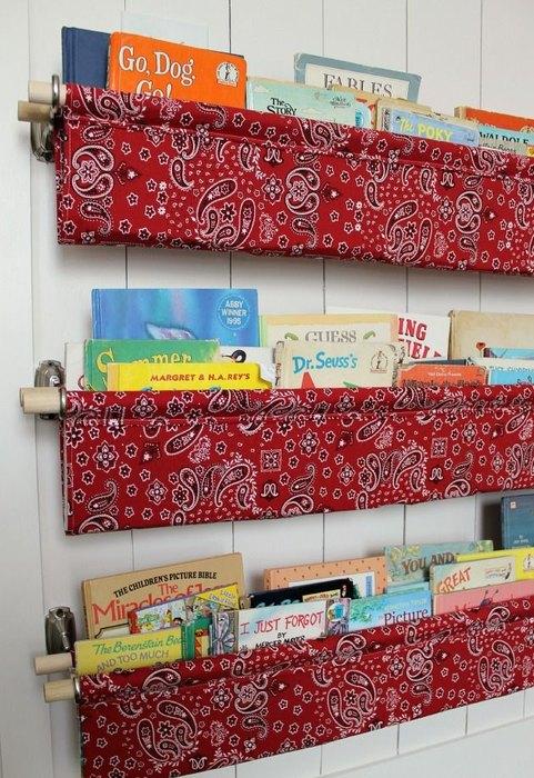 Идея №13. Текстильные органайзеры для хранения книг
