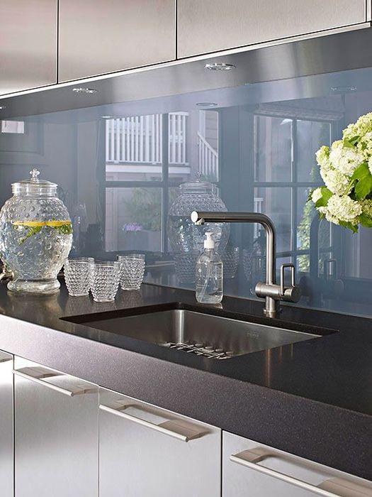 Кухонный фартук приумножает свет