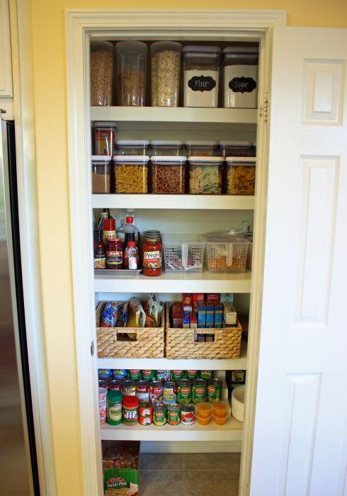 Хранение продуктов в кладовке