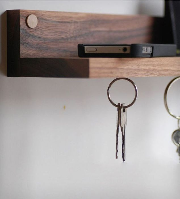 Ключи удобно хранить на магните