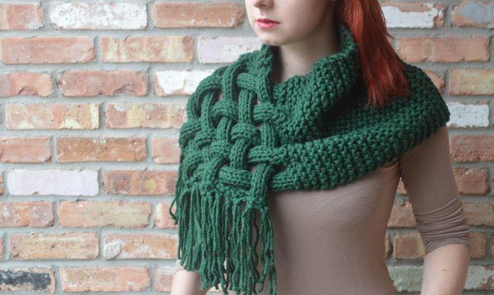 Оригинальный шарф-накидка