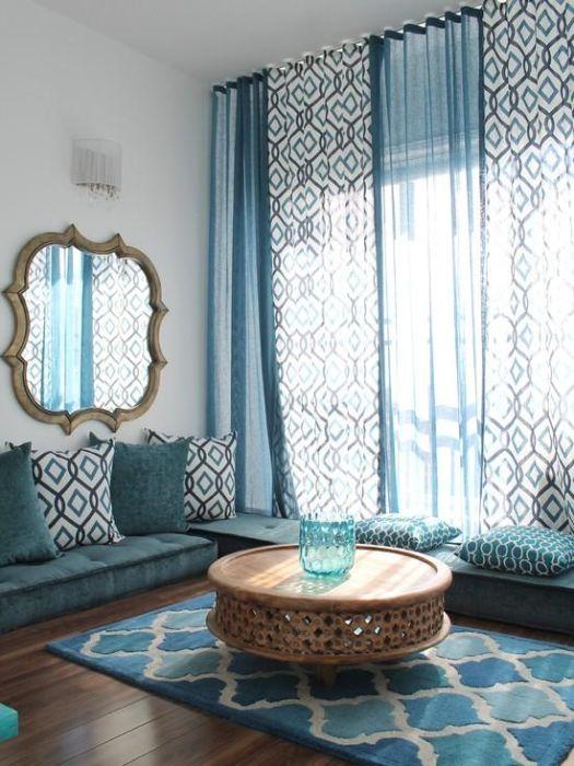 Узоры на текстиле и ковре перекликаются