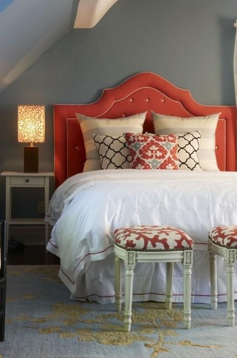 Красивая кровать в интерьере