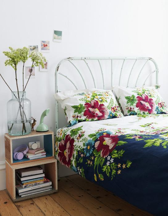 Кровать в ретро-стиле