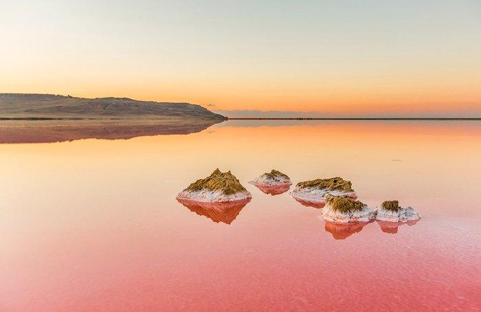 Солевое озеро находится на Керченском полуострове. Автор фото: Сергей Анашкевич