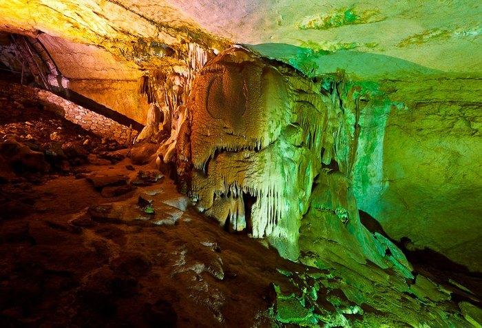 Мраморная пещера в Крыму. Автор фото: Денис Французов