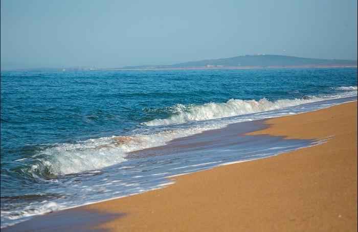 Крымский пляж. Автор фото: Сергей Анашкевич