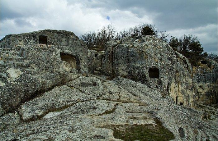Византийцы сделали более 350 жилых пещер. Автор фото: Сергей Анашкевич