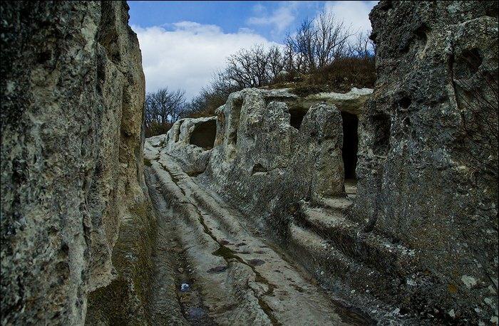 Пещерный город существовал 8 веков, пока его не разрушило войско Золотой Орды. Автор фото: Сергей Анашкевич