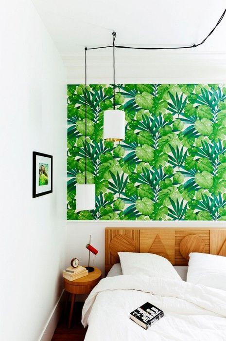 Можно украсить стену собственным художественным произведением