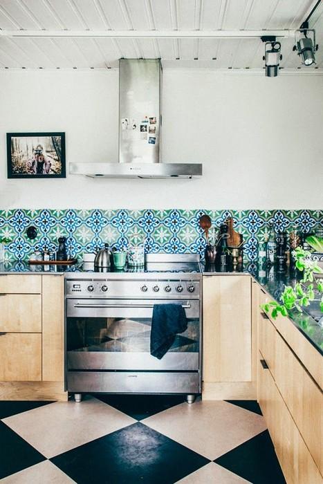 Кухонный фартук стоит протирать после каждого приготовления пищи