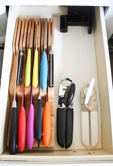 Специальный деревянный органайзер для хранения ножей