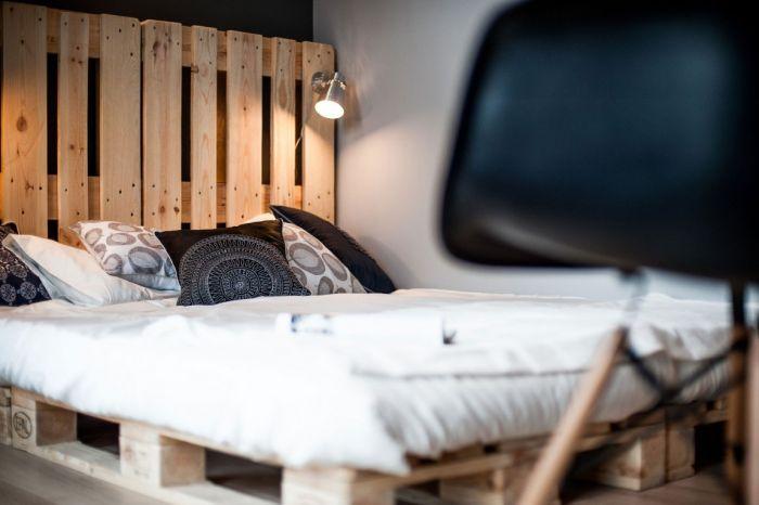 На покупке кровати тоже решили сэкономить