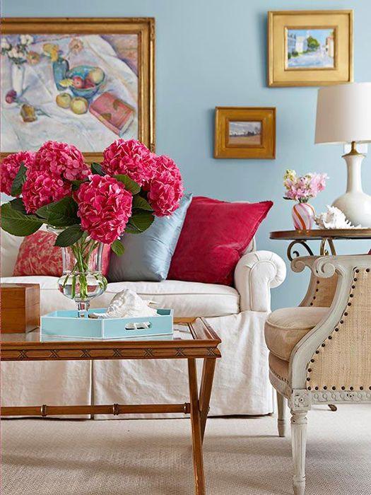 Цветные пятна в гостиной