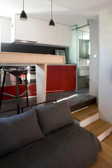 Подиум в интерьере маленькой квартиры