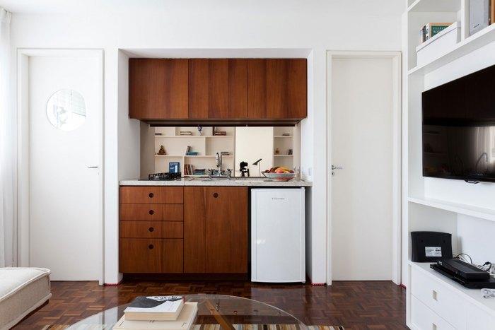 Кухню спрятали в нишу