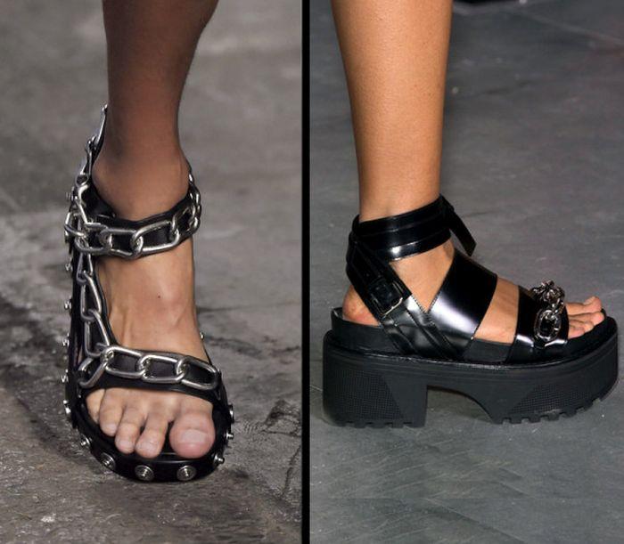 Грубые сандалии