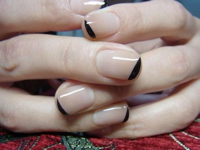 Акцент на кончике ногтя