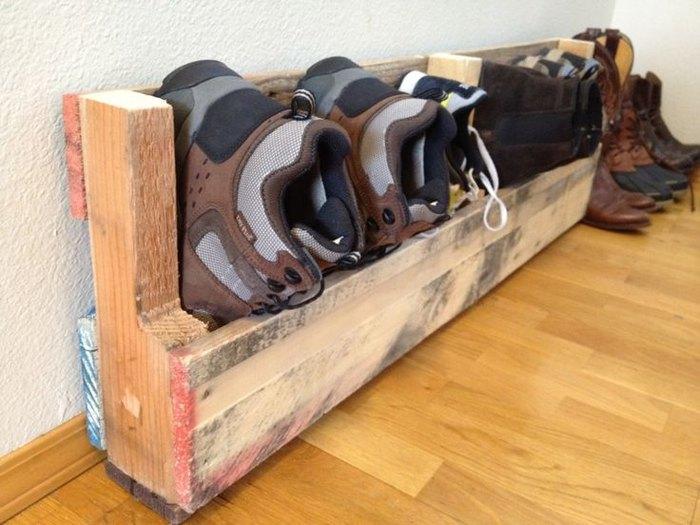 Подставка для хранения обуви из деревянных досок