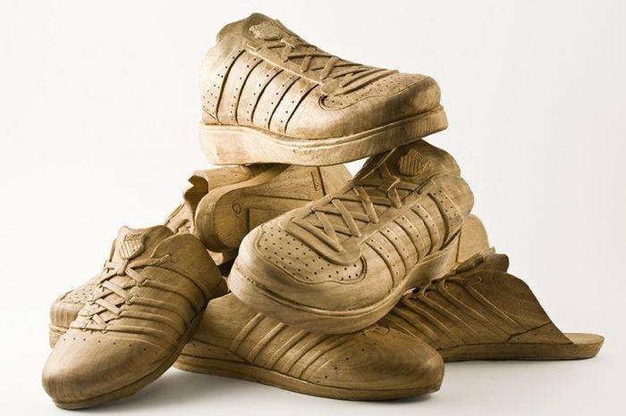 Всего в мире 25 пар такой обуви
