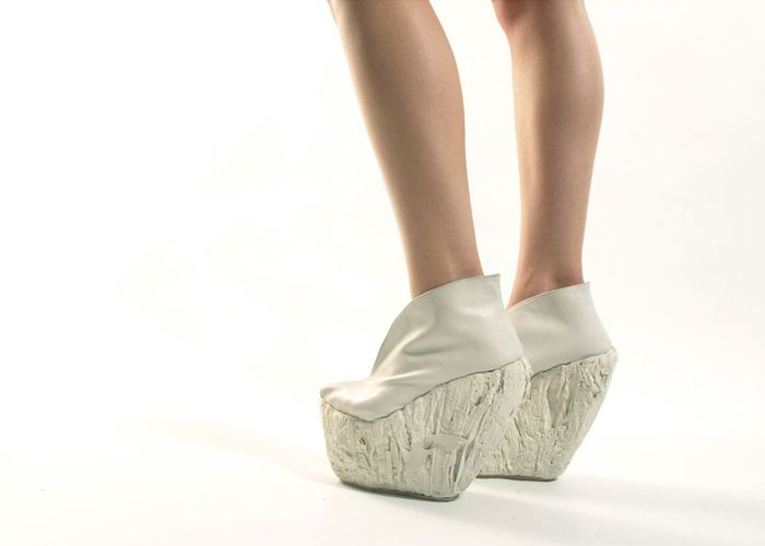 Туфли могут выдержать 160 килограмм веса