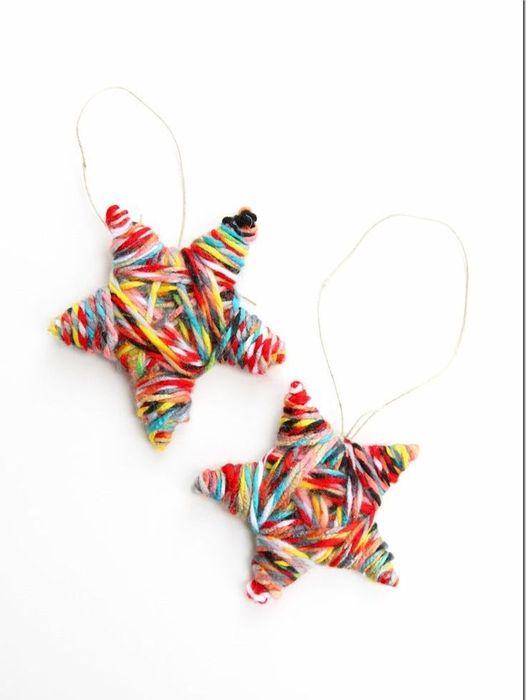 Ёлочные игрушки из разноцветных ниток