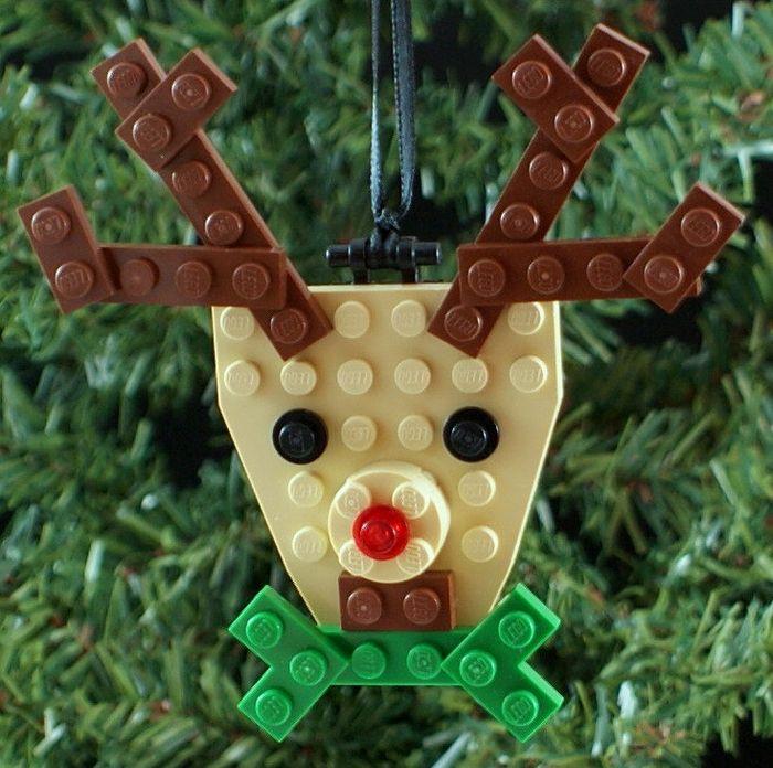 Олень из конструктора Лего на ёлку