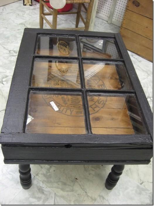 2. Стильный столик из старого окна