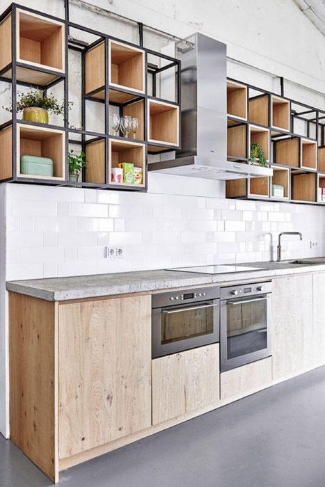 Кухня в индустриальном стиле с открытыми модулями
